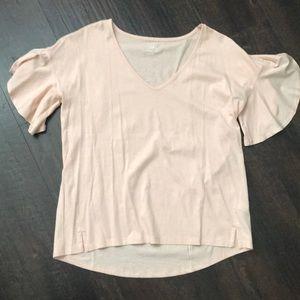 Flutter sleeve v-neck T-shirt M GAP